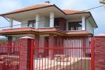 Haus 240 m2 mit 400m2 Grundstuck